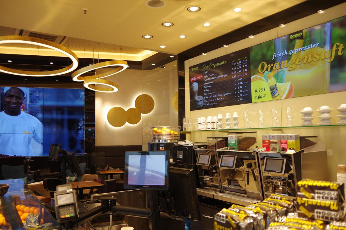 CoffeeBoard Bilschrimwerbung und Videowall Bäckerei Merzenich